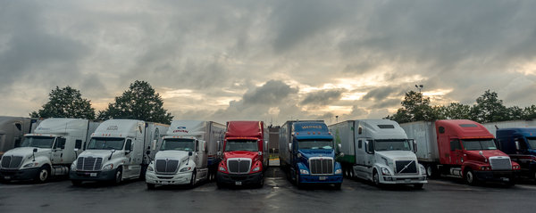 How the Way We Shop Affects the Trucking Industry