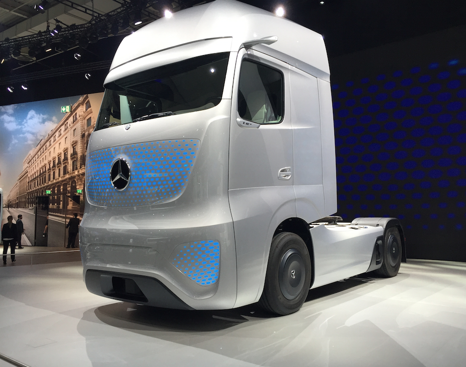 2025 future truck by mercedes benz truck lenders usa for The new mercedes benz truck